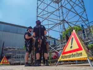 Briefing und Erklärung neuer Rettungstechniken.